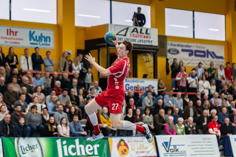 Julian Schneider Sprungwurf zum Tor!